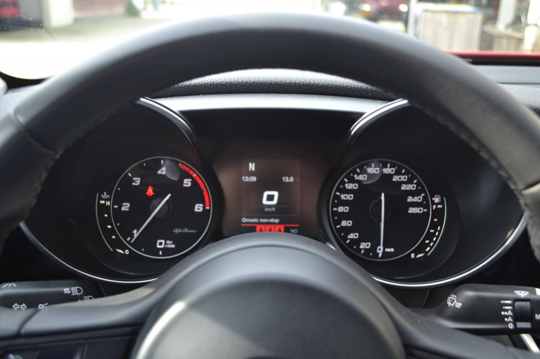 Alfa Romeo-Giulia-14