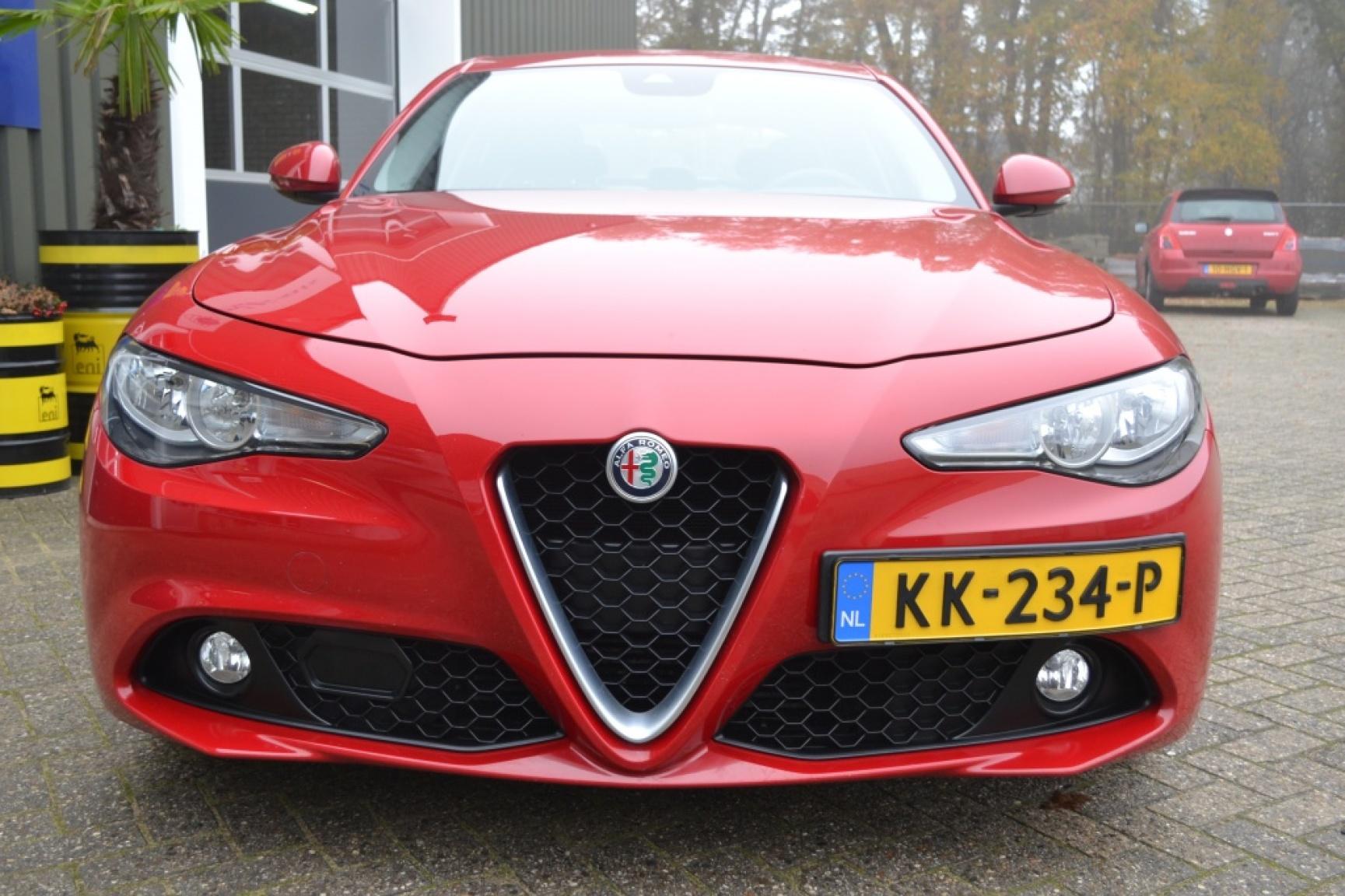 Alfa Romeo-Giulia-1