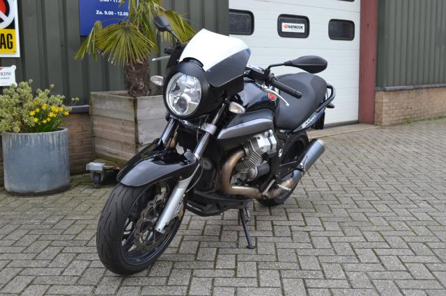 moto-guzzi-1200 Sport